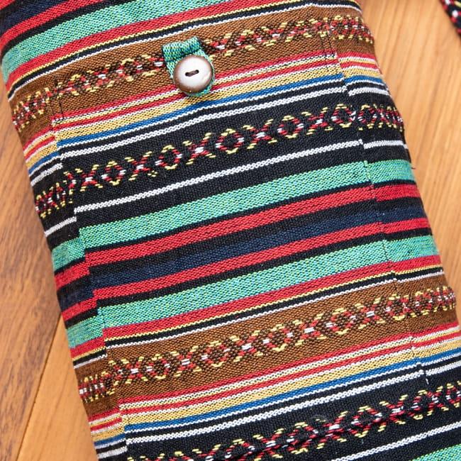 【大サイズ】ネパール織り布のヨガマットバッグ 3 - ポケット収納つきなので、小物類を入れておくことができて便利です。