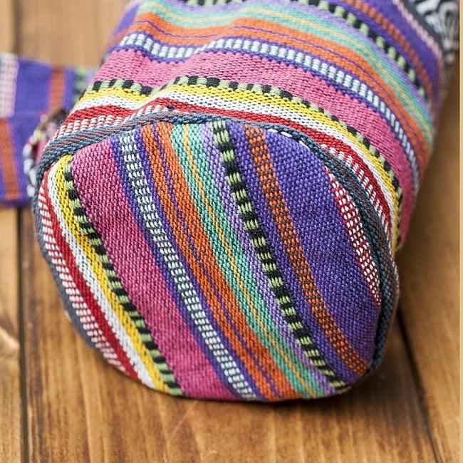 ネパール織り布のヨガマットバッグの写真2 - 底面もしっかり作られています