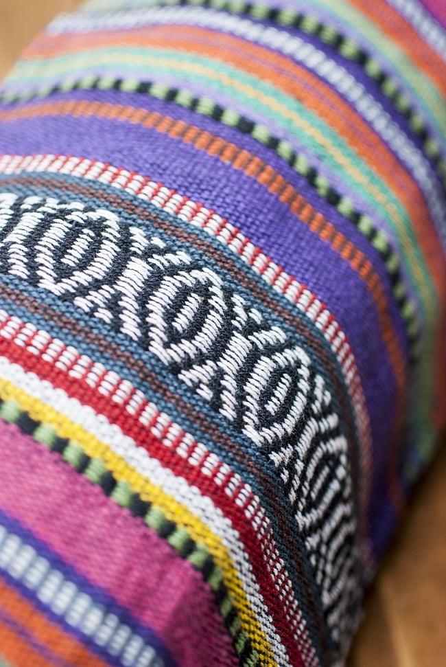 ネパール織り布のヨガマットバッグの写真6 - ネパール特有の丈夫でカラフルな生地が用いられています。