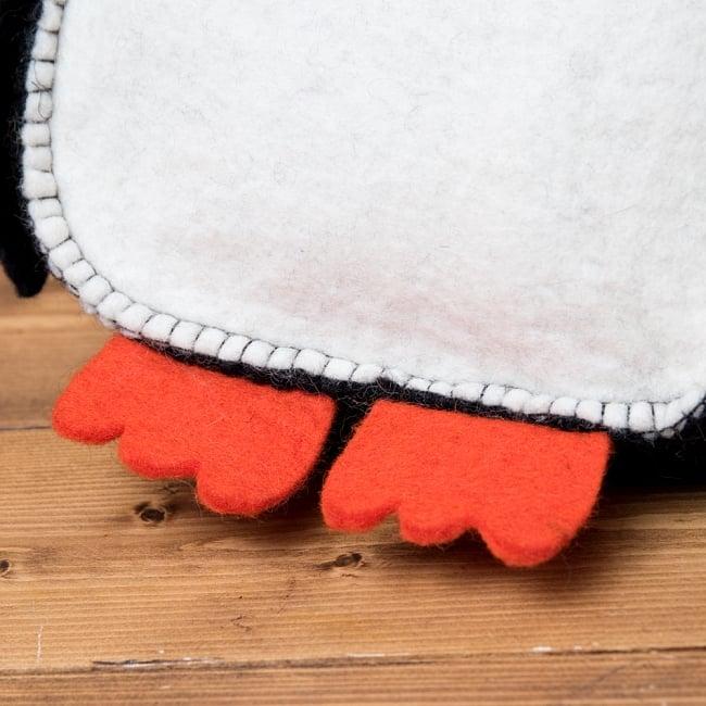 手作りフェルト ネパールのゆるいアニマルリュックサック - ペンギンさん 5 - 羊毛から手作りされています