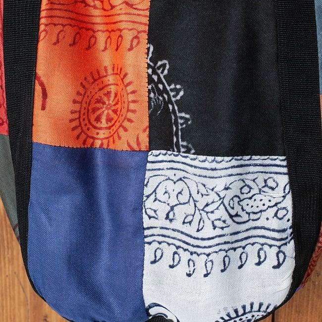 パッチワークトートバッグ 【ラムナミ】 - 布地のアップです。生地の質感をご覧ください。