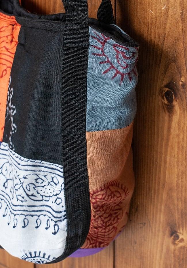 パッチワークトートバッグ 【ラムナミ】 4 - 「ラムナミ」という、ヒンドゥをモチーフにした布をパッチワークにしています。