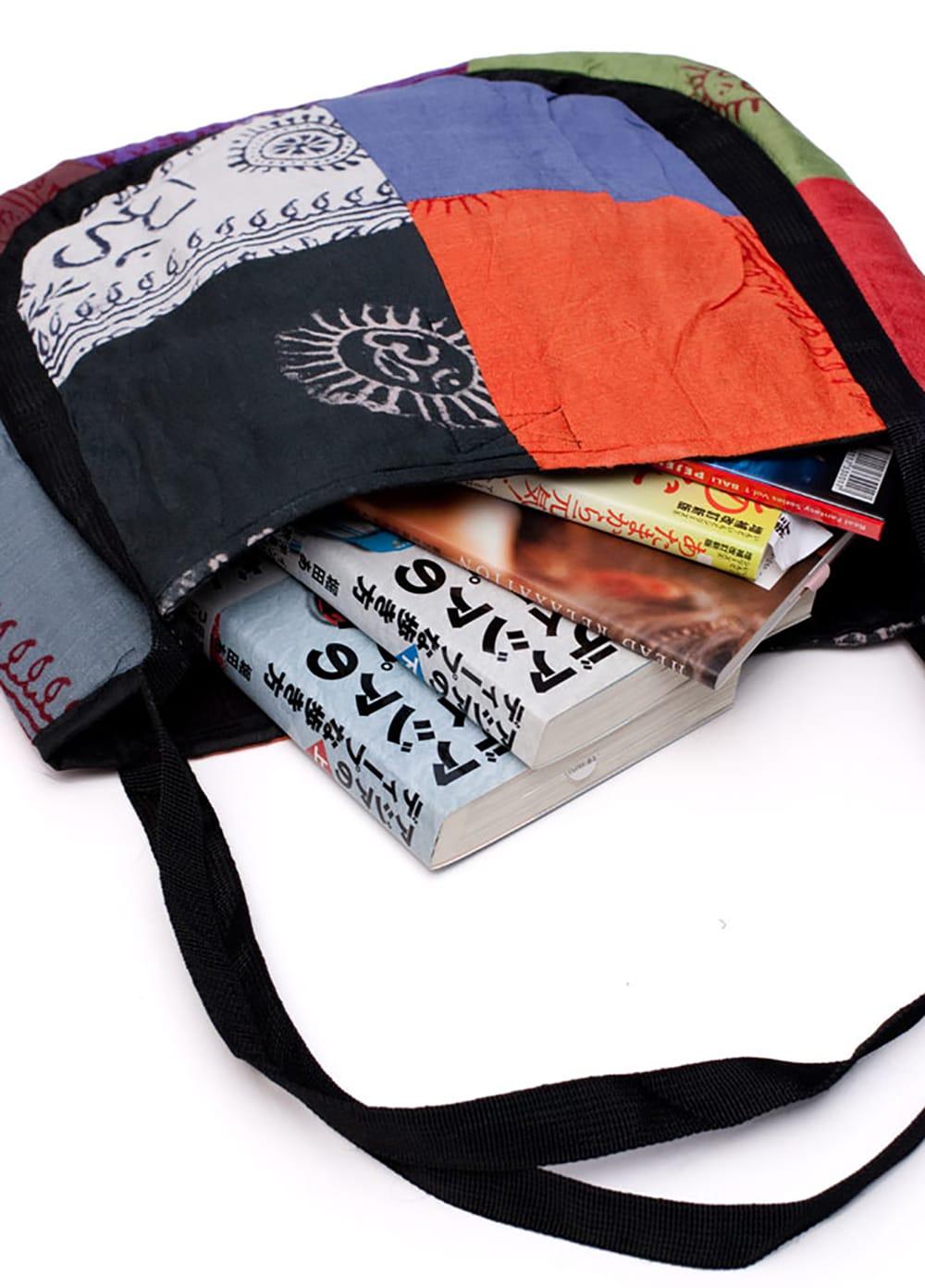 パッチワークトートバッグ 【ラムナミ】 7 - たっぷり収納できます。