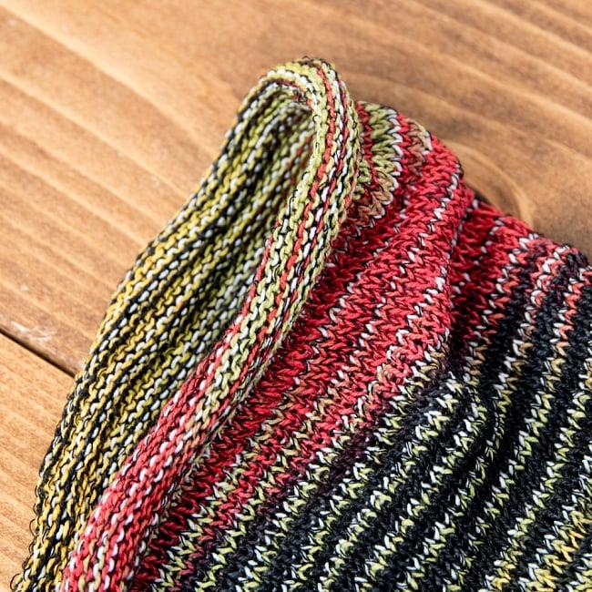 【ハーフサイズ】何通りも楽しめる!魔法のターバン - ラスタ 4 - 端は縫いっぱなしなので、くるっとロール状になっています。特にほつれてくることはありませんのでご安心下さい。