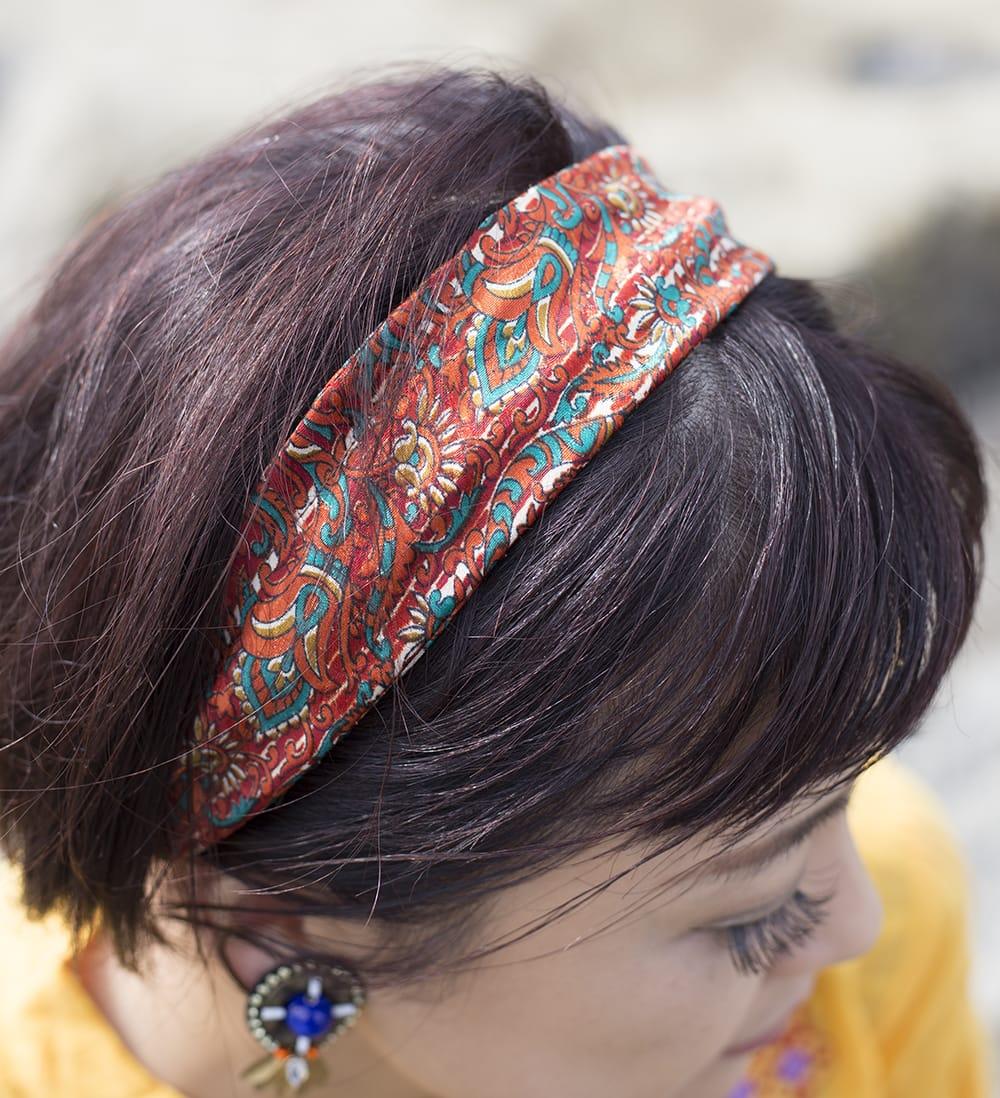 アンティークサリーのヘアバンド 8 - 幅広ですが、狭めるとカチューシャのようなスタイルになります。