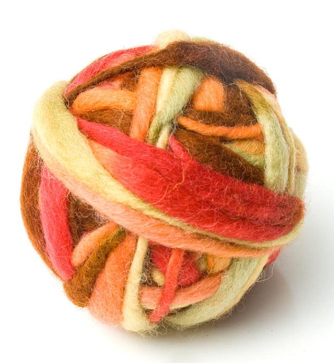 カラーウールボール - 赤×茶の写真