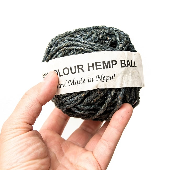 〔手芸用〕カラーヘンプボール - グリーン・グレー 3 - 手に取るとこれくらいの大きさです。