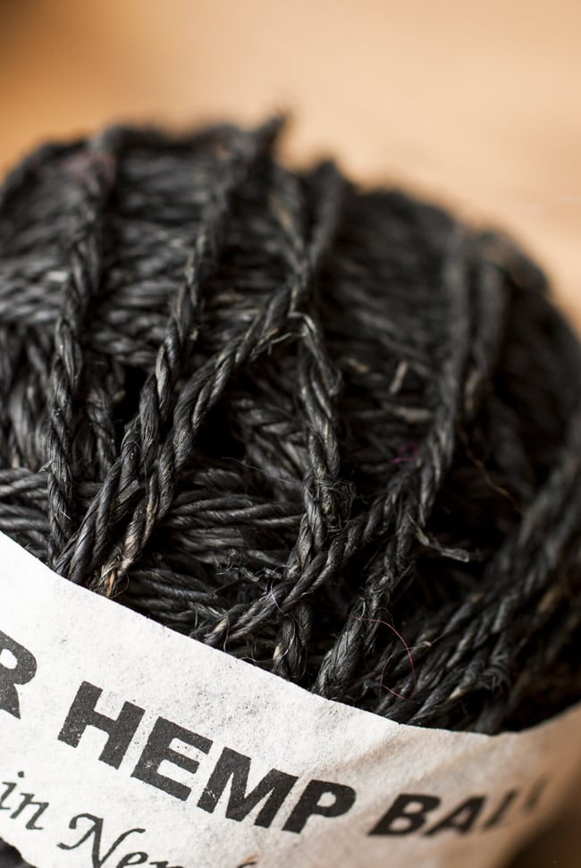 カラーヘンプボール-黒 2 - ざっくりとした手触りが魅力的です。