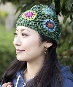 お花刺繍のニット帽 - グリーン