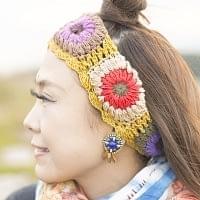 お花刺繍のニットヘアバンド - 黄色
