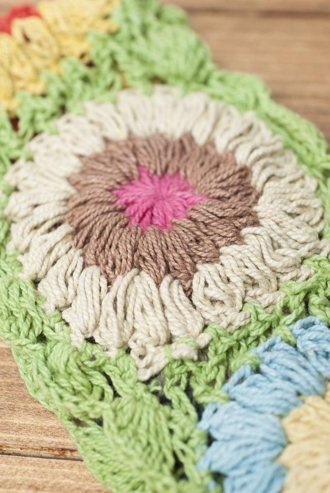 お花刺繍のニットヘアバンド - ライトグリーン 3 - 手縫いで作られたお花が可愛いです。