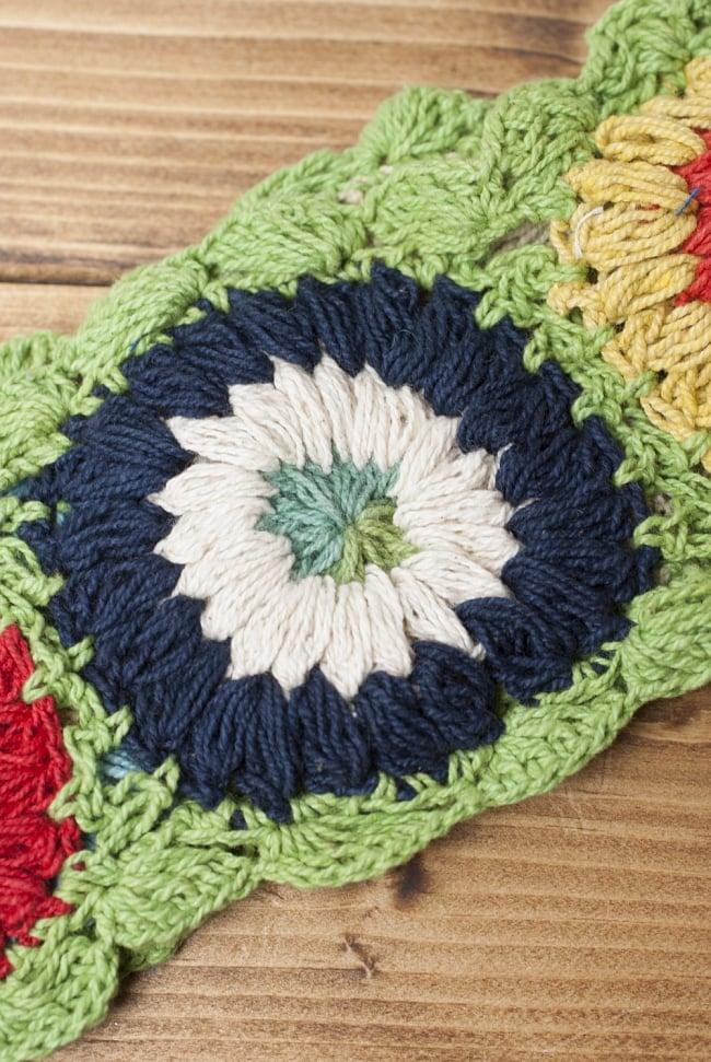 お花刺繍のニットヘアバンド - ライトグリーン 4 - 手作りの商品のため、お花の色パターンは商品ごとに異なります。