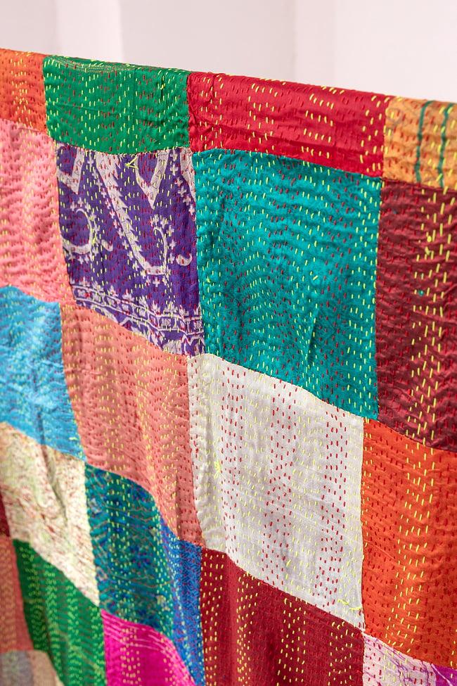 【アソート】インドのカンタ刺繍スカーフ (約200cm×約45cm) 6 - ざっくりと裁断されており、きちんとした長方形ではありません。このように端がきちんと合わないことも多々ありますので、ご理解の上お買い求め下さい。