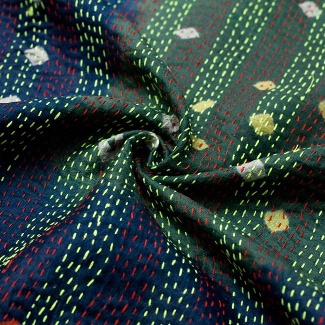 【アソート】パッチワークのカンタ刺繍ショール (約95cm×約190cm) 10 - このような質感です。