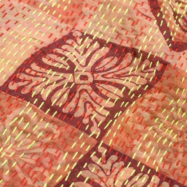 【1点物】インドのカンタ刺繍ショール (214cm×54cm) 7 - 他の箇所をアップにしてみました。