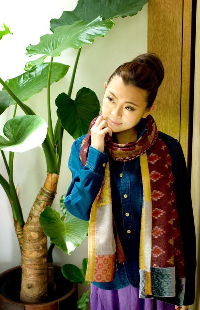 【1点物・インド最高級品】インドのカンタ刺繍ストール 4 - どんな服装にも合わせやすいので、とても使用しやすいです。