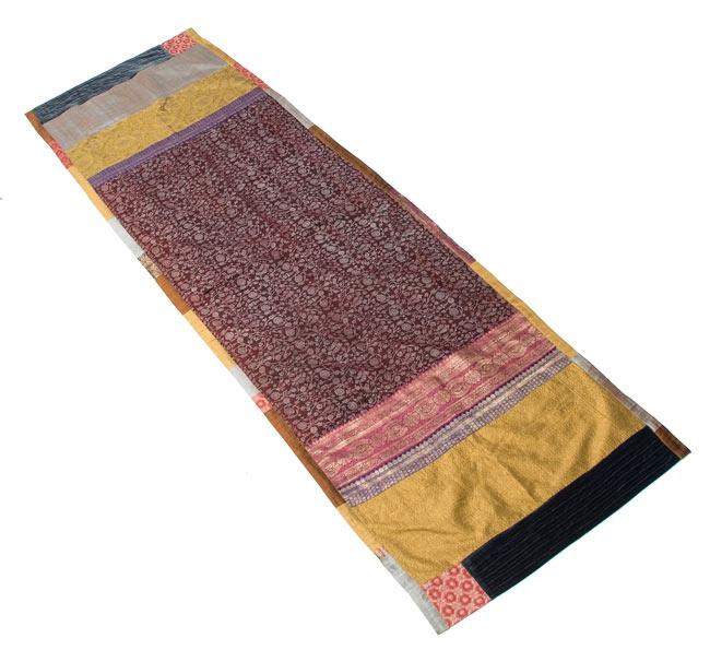 【1点物・インド最高級品】インドのカンタ刺繍ストール 5 - 全体のデザインが分かるように広げて撮ってみました。