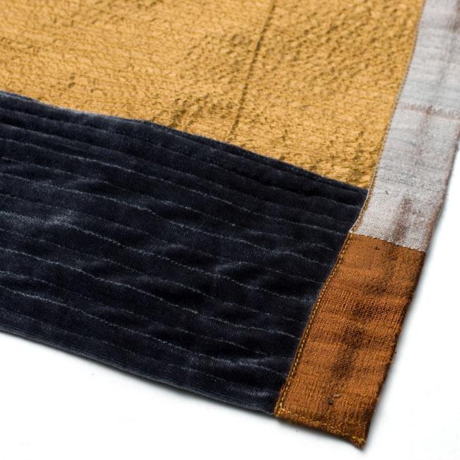【1点物・インド最高級品】インドのカンタ刺繍ストール 7 - アップにしてみました。ベルベットが落ち着いた雰囲気を演出してくれます。