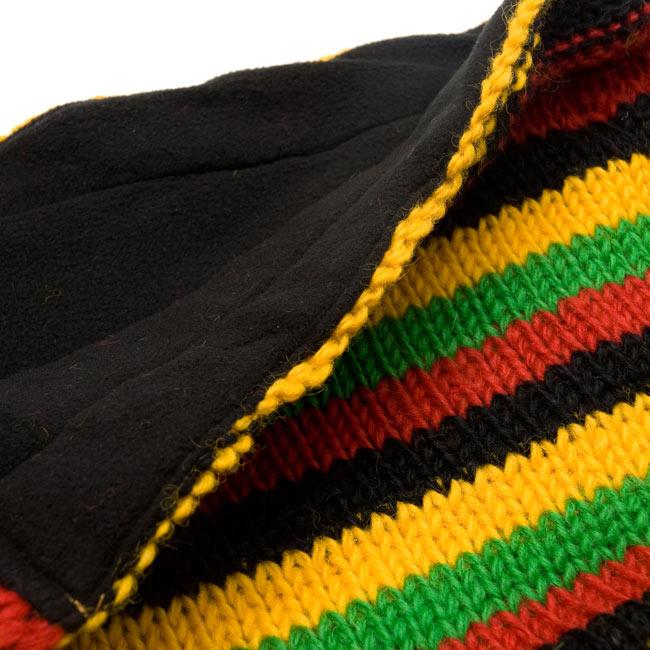帽子付きカラフルボーダーマフラー 【ラスタ】の写真4 - 帽子部分のインナーはフリースで肌触り良いです。