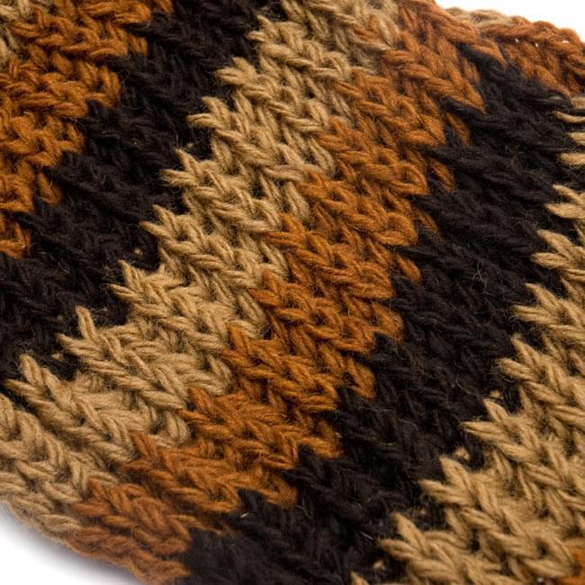 帽子付きカラフルボーダーマフラー 【ブラウン系】 5 - ざっくり編みはレトロな雰囲気がいいですね。