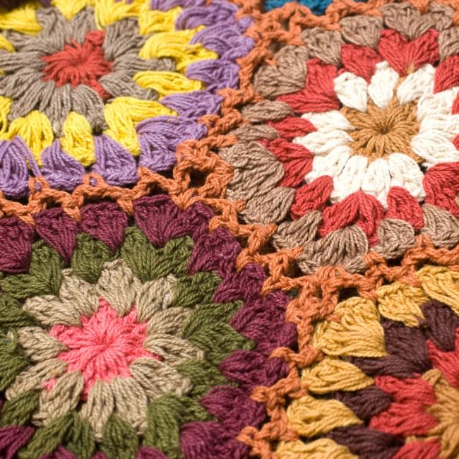 フラワーモチーフのコットンスカーフ 【れんが】 3 - 編み目部分をアップにしてみました。
