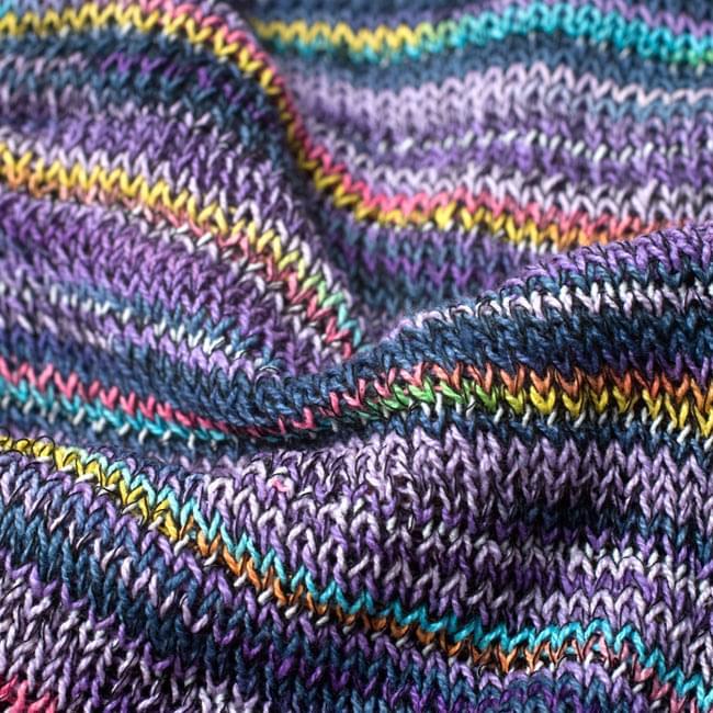 何通りも楽しめる!魔法のスヌード 【パープル】 6 - 質感がわかるように撮ってみました。裏表で編み目は異なりますがどちらでもお好みでお楽しみ頂けます。