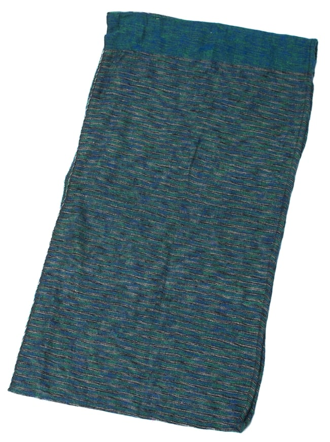 ふんわり起毛のライトスヌード - グリーン系の写真