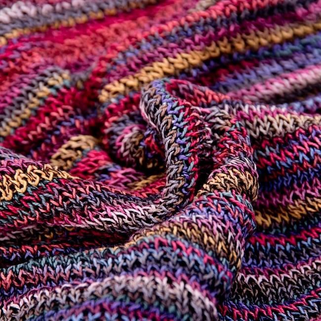 何通りも楽しめる!魔法のスヌード - ピンク 5 - 質感がわかるように撮ってみました。裏表で編み目は異なりますがどちらでもお好みでお楽しみ頂けます。