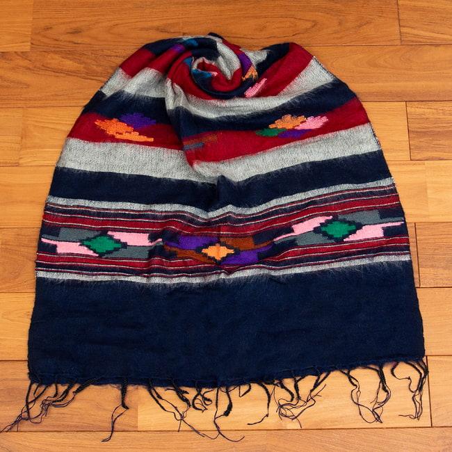 柔らかな起毛で温まる トライバル柄の機織りストール 11 - 4:ネイビー