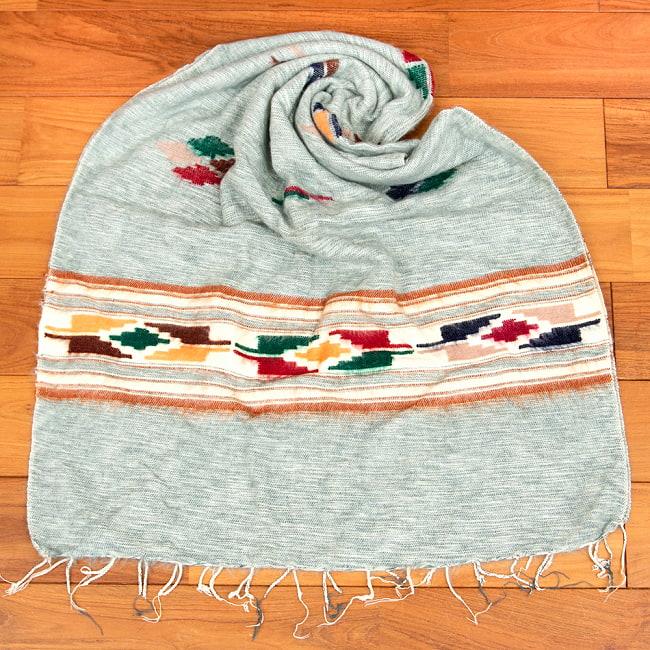 柔らかな起毛で温まる トライバル柄の機織りストール 13 - 6:ライトグレー