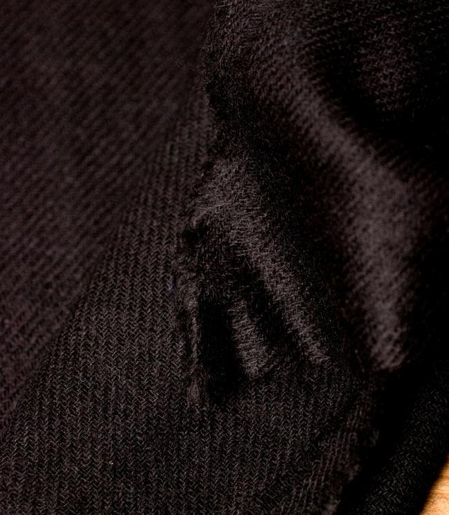 パシュミナ100% 大判手織りストール - ブラック 3 - 拡大写真です。とても丁寧に織られています。
