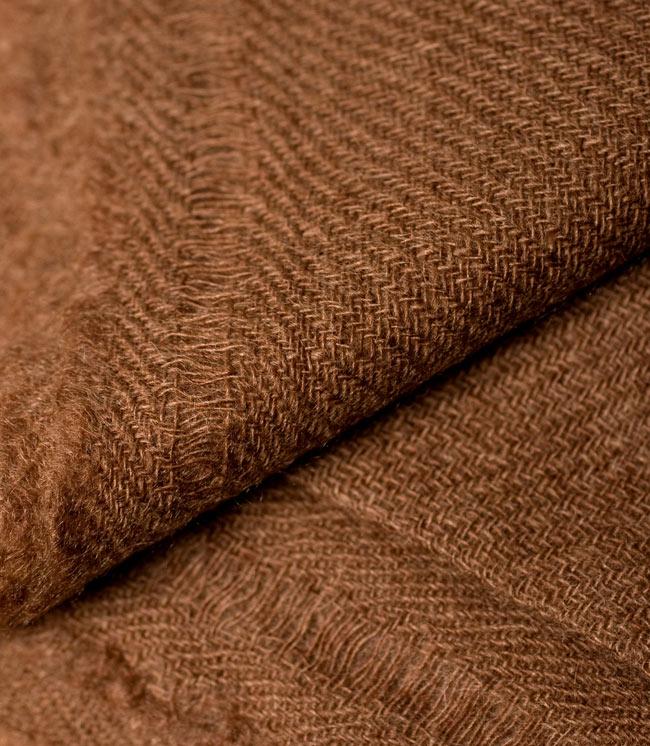 パシュミナ100% 大判手織りストール - ブラウン 3 - 拡大写真です。とても丁寧に織られています。