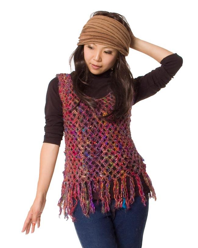 シルク編みベスト - ショート 8 - 上半身のアップです。