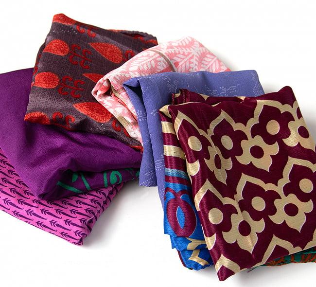 オールドサリーのスカーフ 約100cm×100cm  3 - こちらの商品はアソート商品ですので、このような中からお一つお送りさせて頂きます。