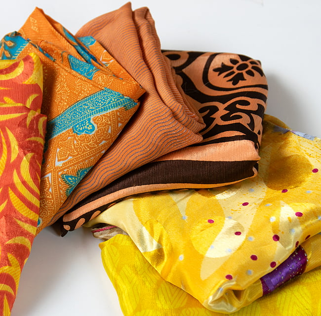 オールドサリーのスカーフ 約100cm×100cm  7 - 黄色・オレンジ・茶色系です