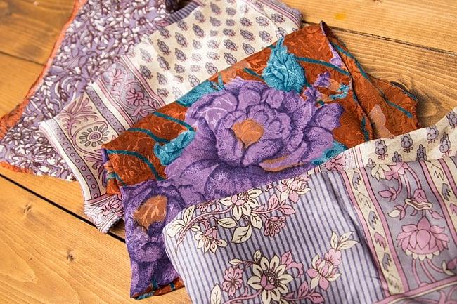 オールドサリーのスカーフ 約55cm×約55cm 【紫系】の写真3 - こちらの商品はアソート商品ですので、このような中からお一つお送りさせて頂きます。