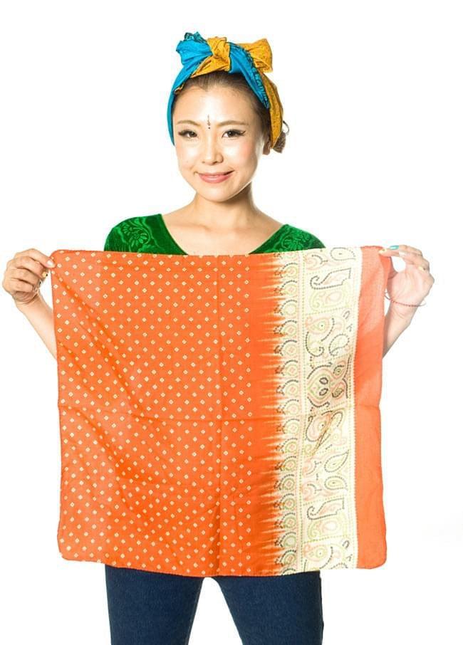 オールドサリーのスカーフ 約55cm×約55cm 【紫系】の写真6 - 広げるとハンカチサイズ。何に使おうか色々楽しめますね!