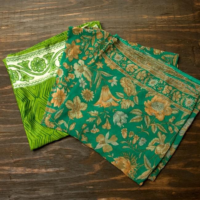 オールドサリーのスカーフ 約105cm×約105cm 【グリーン系】 3 - こちらの商品はアソート商品ですので、このような中からお一つお送りさせて頂きます。