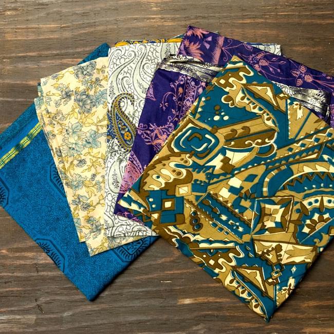 オールドサリーのスカーフ 約105cm×約105cm 【ブルー系】 3 - こちらの商品はアソート商品ですので、このような中からお一つお送りさせて頂きます。