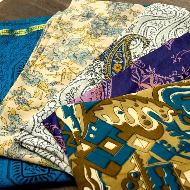 オールドサリーのスカーフ 約105cm×約105cm 【ブルー系】 4 - 別の角度から撮ってみました。