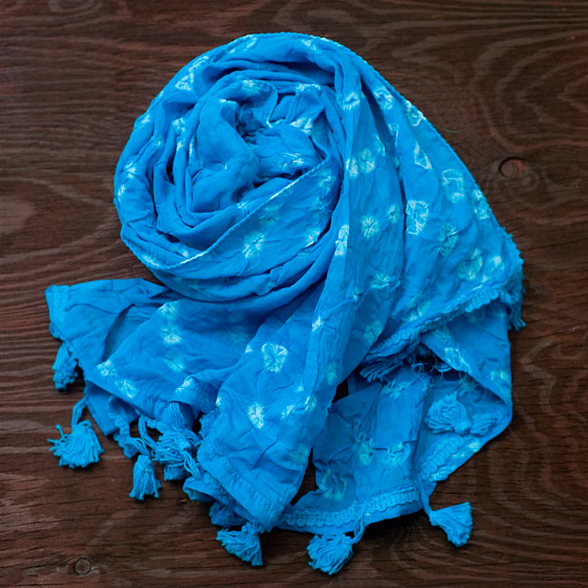 インドの絞り染めドゥパッタ - 水色の写真