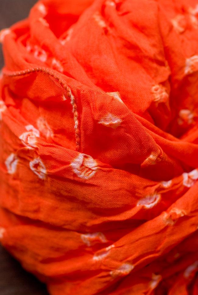 インドの絞り染めドゥパッタ - オレンジ 4 - ふんわりとした質感が素敵ですね。