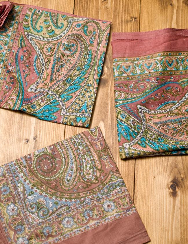 インド伝統柄のコットンスカーフ - マロン 6 - 図像は1点ずつ異なるため、アソートでのお届けとなります。