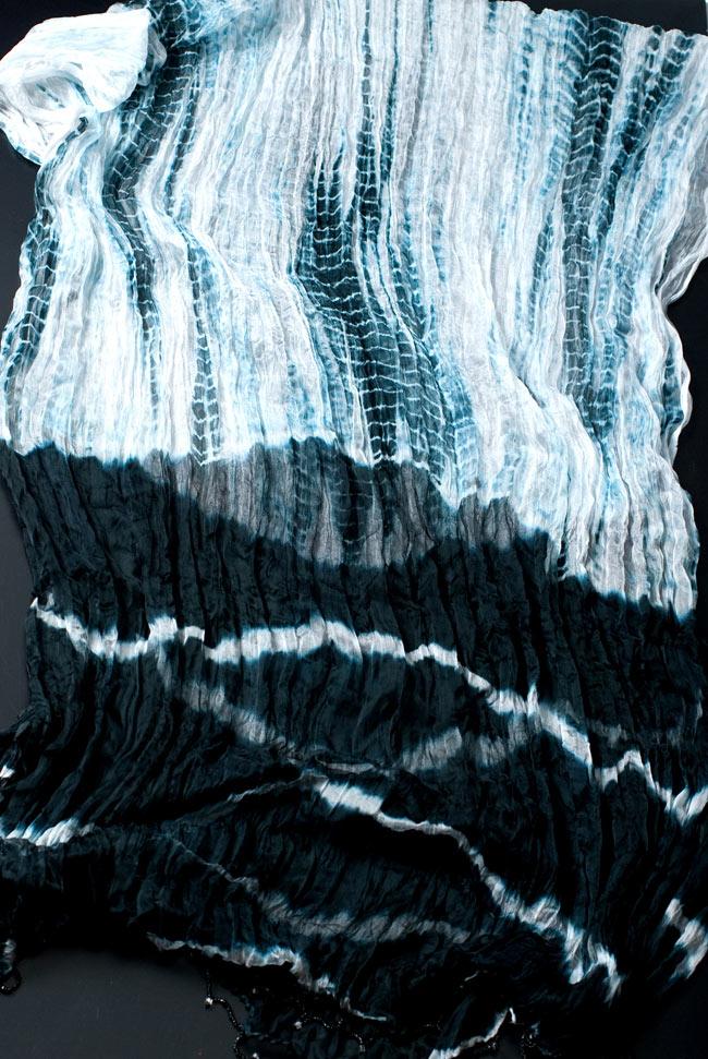 インドの薄ショール クリンクル タイダイドゥパッタ - 黒の写真7 - 【選択:B】はこちらになります。