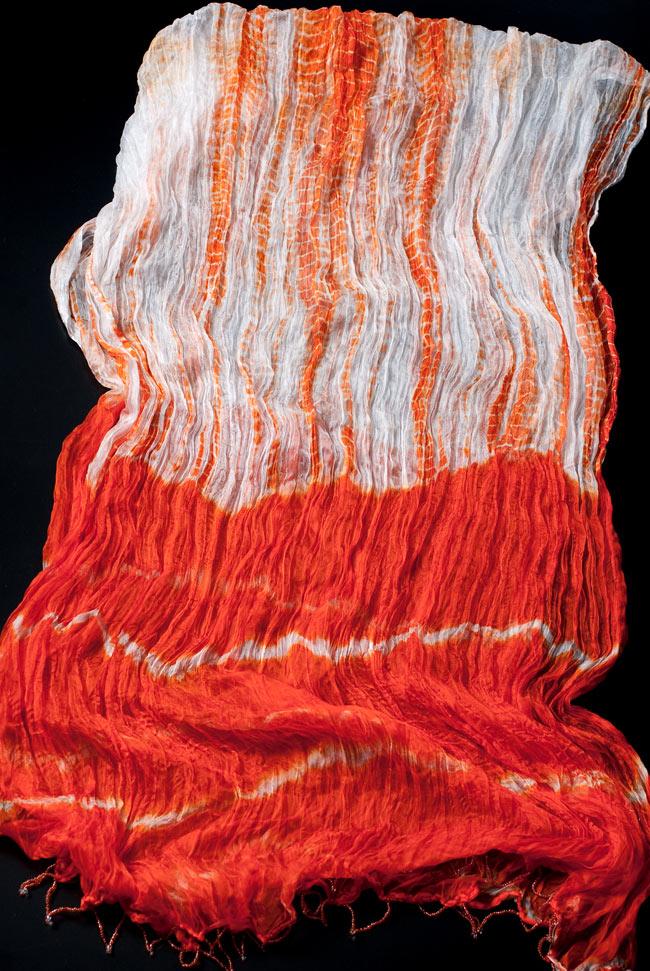 インドの薄ショール クリンクル タイダイドゥパッタ - オレンジの写真