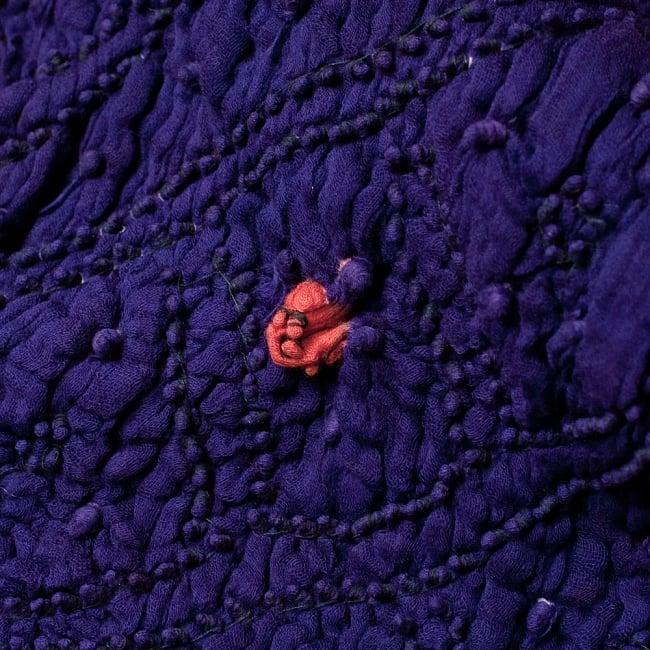 あなたが完成させる 伝統の絞り染めストール バンデジ - 紫系 7 - どういう風に布を染め上げ、作っているのかがよくわかる布です。