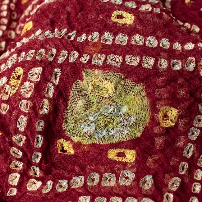 あなたが完成させる 伝統の絞り染めストール バンデジ - 赤茶 2 - 色を染めたくないところに糸を結んで、そこが模様として浮かび上がります。