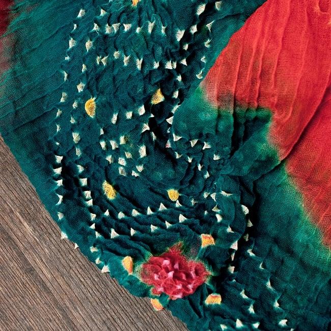 あなたが完成させる 伝統の絞り染めストール バンデジ - 青緑×オレンジ×紫系 3 - 一箇所ずつ丁寧に糸を結んでつくられています