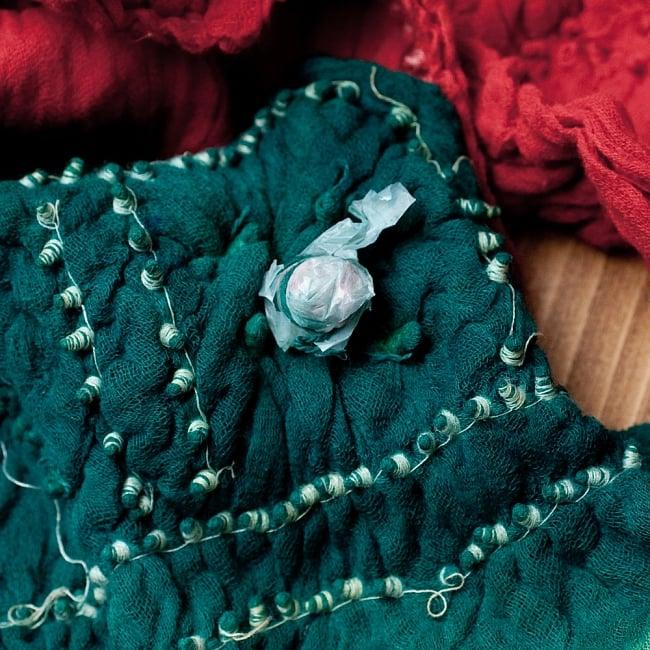 あなたが完成させる 伝統の絞り染めストール バンデジ - 青緑×オレンジ×紫系 7 - どういう風に布を染め上げ、作っているのかがよくわかる布です。