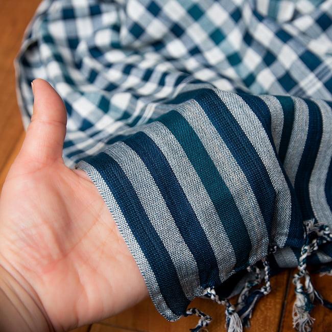 カンボジアからやってきた万能布 クロマーSサイズ【約40cm×130-160cm】 5 - 薄手なので、使いやすい!光にあてると若干の透け感あります。